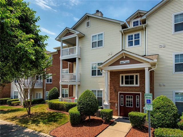 10677 Hill Point Court, Charlotte, NC 28262 (#3401690) :: High Performance Real Estate Advisors