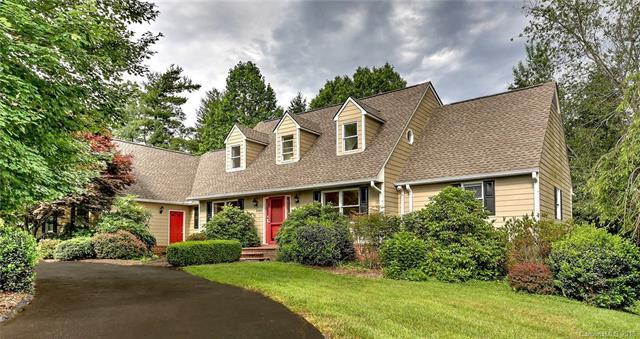 2000 Mountain Ash Circle, Hendersonville, NC 28739 (#3401783) :: RE/MAX Four Seasons Realty