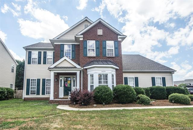 1439 Whitman Drive NW, Concord, NC 28027 (#3402105) :: The Ramsey Group