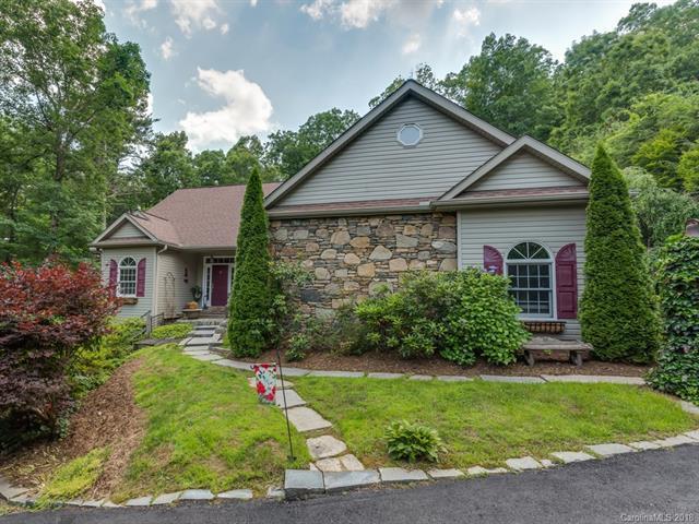 18 Ravenswood Road, Flat Rock, NC 28731 (#3402211) :: Puffer Properties
