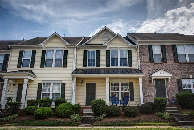 4630 Forestridge Commons Drive, Charlotte, NC 28269 (#3402352) :: The Sarver Group
