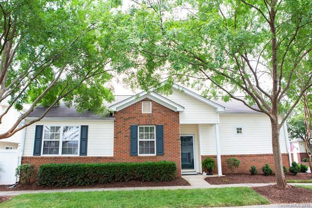 8650 Meadowmont View Drive, Charlotte, NC 28269 (#3402371) :: RE/MAX Metrolina