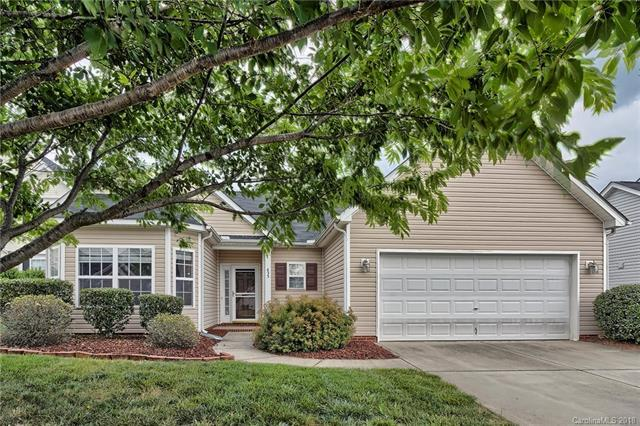 433 Clearwater Drive NW, Concord, NC 28027 (#3402569) :: The Andy Bovender Team