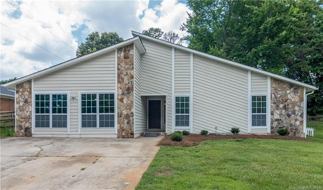 6315 Lake Forest Road E, Charlotte, NC 28227 (#3402653) :: Exit Mountain Realty
