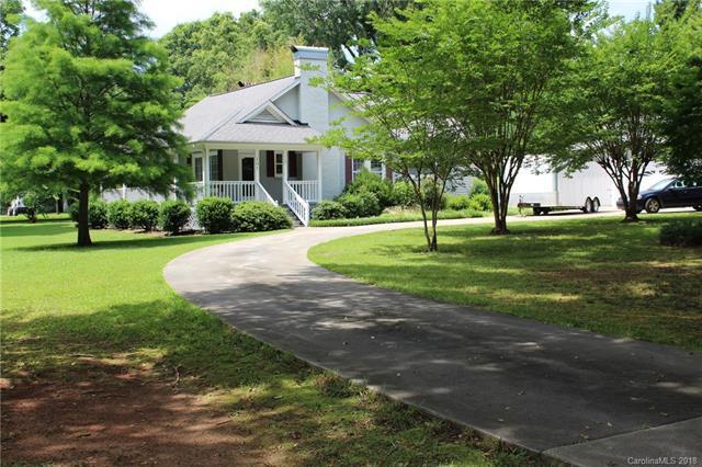 101 Cottonwood Drive, Mount Holly, NC 28120 (#3402738) :: RE/MAX Metrolina