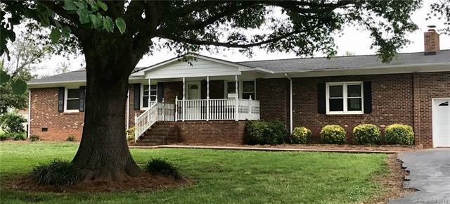 5118 Hucks Road, Charlotte, NC 28269 (#3402760) :: The Ramsey Group