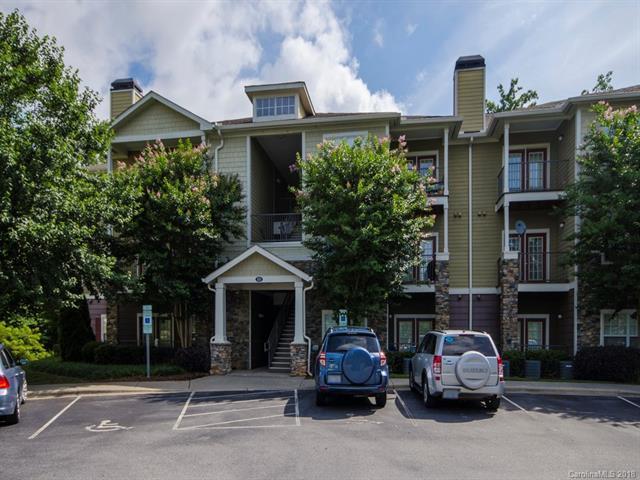 300 Vista Lake Drive #108, Candler, NC 28715 (#3402849) :: Puffer Properties