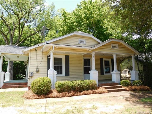 929 N Highland Street, Gastonia, NC 28052 (#3402935) :: Homes Charlotte