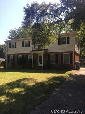 6601 Park South Drive, Charlotte, NC 28210 (#3402984) :: Homes Charlotte