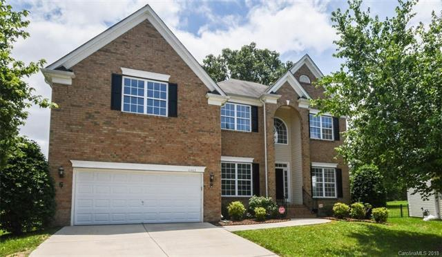 10403 Bere Island Drive, Charlotte, NC 28278 (#3403093) :: Odell Realty Group
