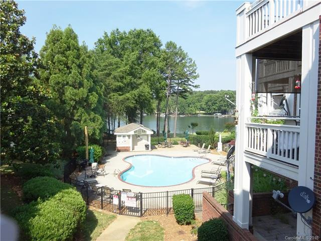 7832 Village Harbor Drive #35, Cornelius, NC 28031 (#3403787) :: Mossy Oak Properties Land and Luxury