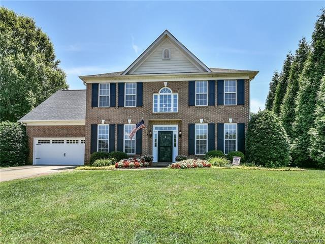 7304 Kidwelly Lane, Matthews, NC 28104 (#3403845) :: Carlyle Properties