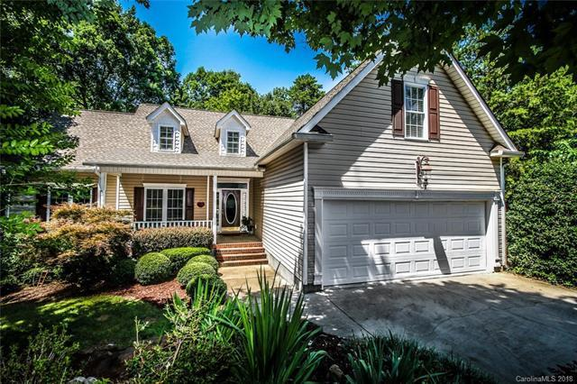 12123 Songbird Court, Tega Cay, SC 29708 (#3404199) :: The Andy Bovender Team