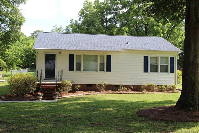 108 Morris Avenue, Mount Holly, NC 28120 (#3404261) :: Odell Realty Group