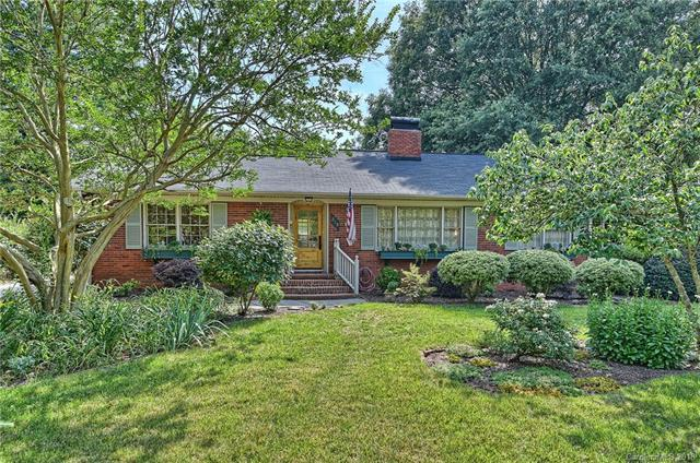 215 Anthony Circle, Charlotte, NC 28211 (#3404272) :: Charlotte's Finest Properties