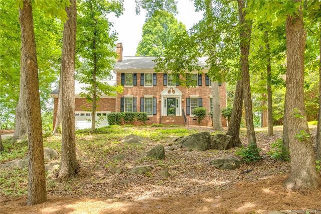 10016 Whitethorn Drive, Charlotte, NC 28277 (#3404342) :: Homes Charlotte
