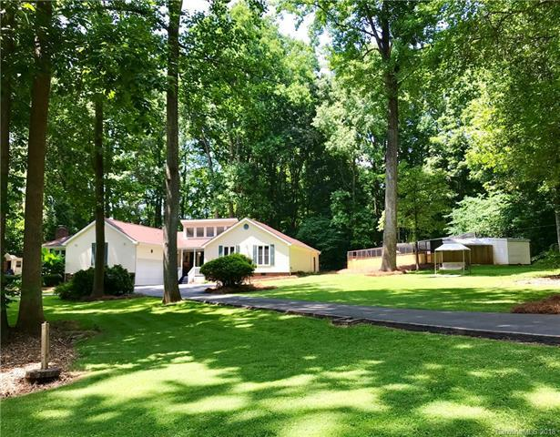 8264 Addison Drive, Harrisburg, NC 28075 (#3404393) :: The Ramsey Group