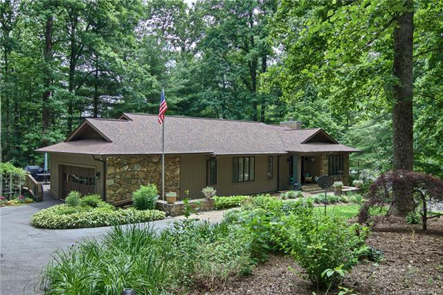 38 Foxglove Road, Hendersonville, NC 28739 (#3404432) :: Exit Mountain Realty