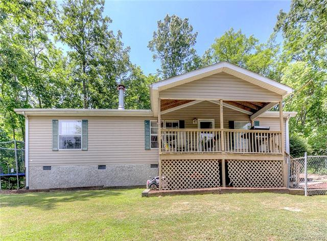 452 Griffin Drive, Hendersonville, NC 28792 (#3404578) :: Roby Realty