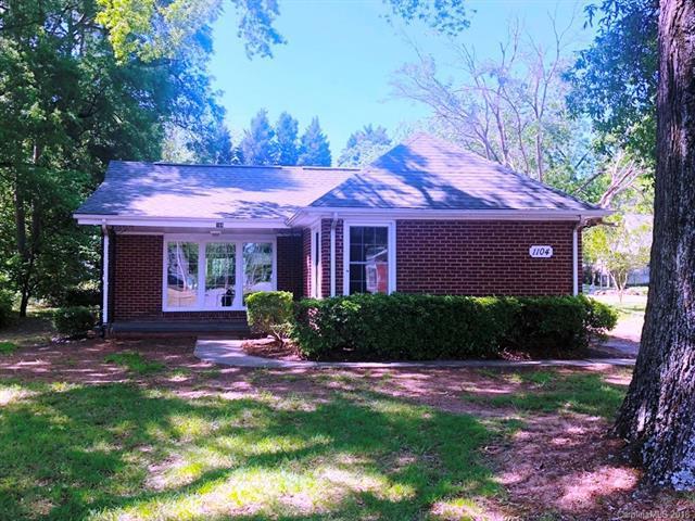 1104 Montgomery Avenue, Albemarle, NC 28001 (#3404684) :: SearchCharlotte.com