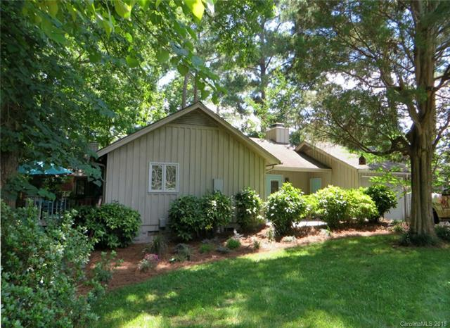 2 Oakwood Lane, Lake Wylie, SC 29710 (#3404707) :: TeamHeidi®
