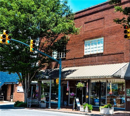 196 N Main Street, Waynesville, NC 28786 (#3404720) :: The Sarver Group