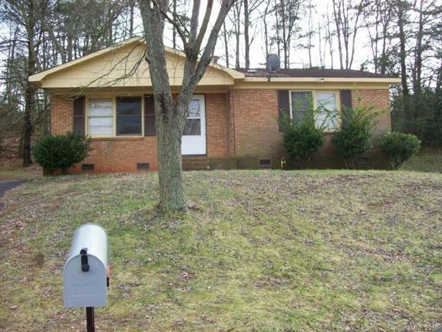 629 Dunbrook Lane, Charlotte, NC 28217 (#3405092) :: Odell Realty Group