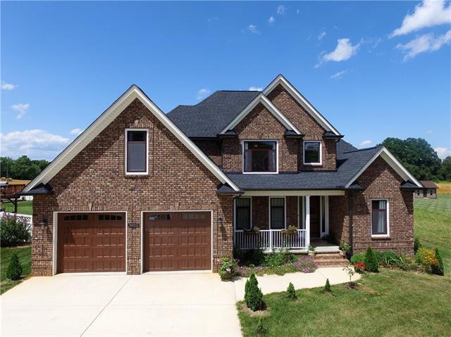 5022 Orchard Park Drive, Hickory, NC 28602 (#3405115) :: Stephen Cooley Real Estate Group