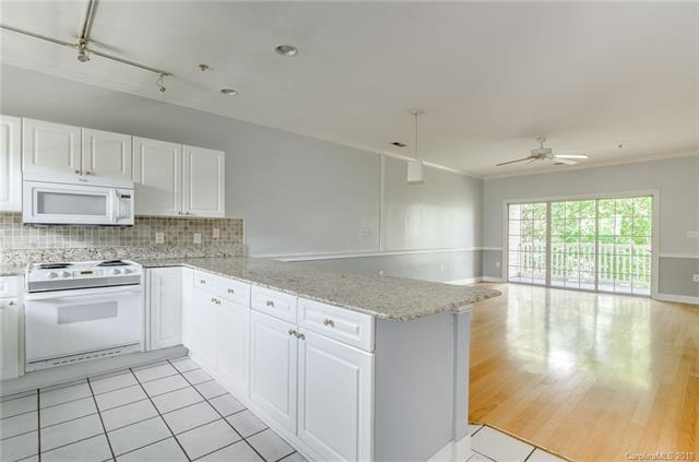 8656 Coralbell Lane, Charlotte, NC 28213 (#3405208) :: High Performance Real Estate Advisors