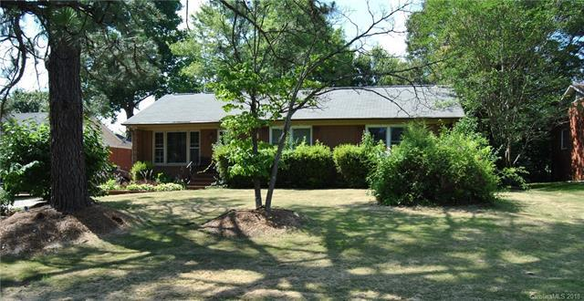 3921 Woodleaf Road, Charlotte, NC 28205 (#3405357) :: Exit Mountain Realty