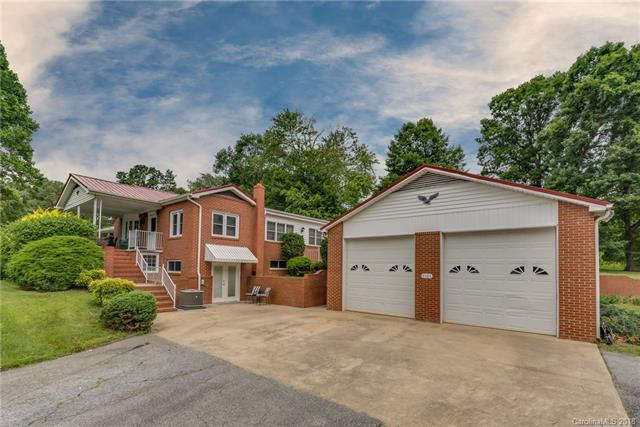 3565 Chimney Rock Road, Hendersonville, NC 28792 (#3405468) :: Exit Realty Vistas