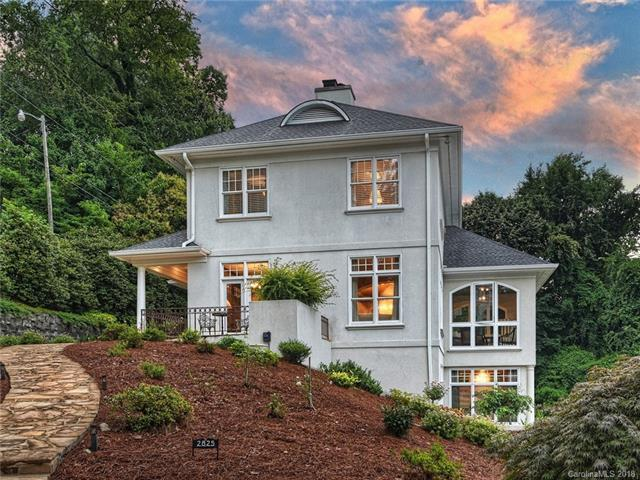 2825 Briarcliff Place, Charlotte, NC 28207 (#3406118) :: David Hoffman Group
