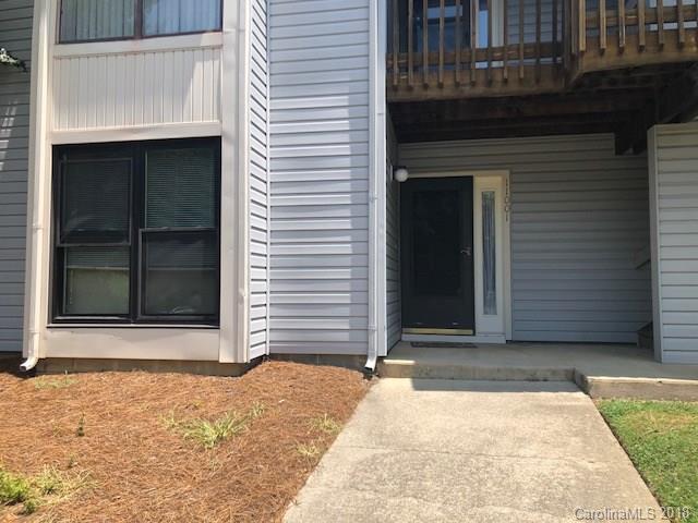 11001 Harrowfield Road, Charlotte, NC 28226 (#3406378) :: High Performance Real Estate Advisors