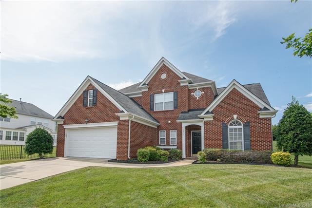 10439 Bere Island Drive, Charlotte, NC 28278 (#3406646) :: High Performance Real Estate Advisors