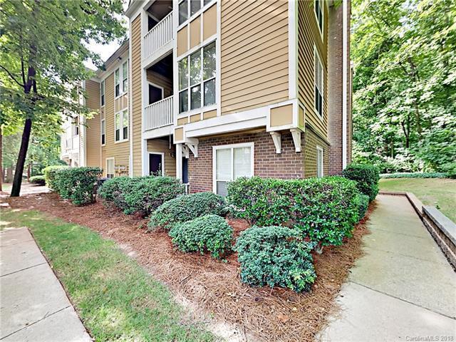 2514 Cranbrook Lane #8, Charlotte, NC 28207 (#3407212) :: MECA Realty, LLC
