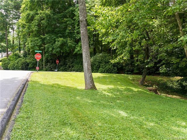 390 Wayside Lane #1, Hendersonville, NC 28792 (#3407548) :: MECA Realty, LLC