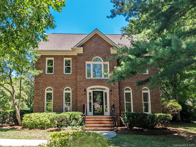 9747 Warwick Circle, Charlotte, NC 28210 (#3409107) :: Homes Charlotte