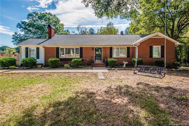 15308 Beatties Ford Road, Huntersville, NC 28078 (#3409349) :: LePage Johnson Realty Group, LLC