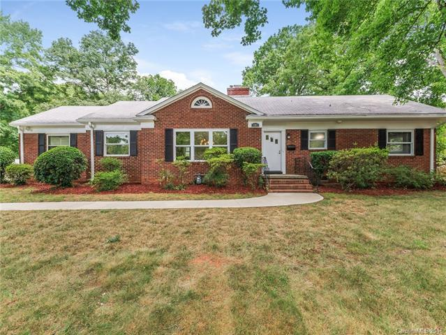 1201 S Wendover Road, Charlotte, NC 28211 (#3409469) :: The Temple Team
