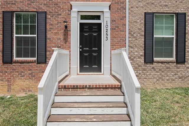 10253 Halston Circle #209, Huntersville, NC 28078 (#3409488) :: High Performance Real Estate Advisors