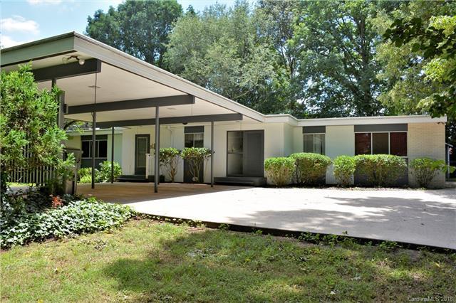 1077 19th Ave Place, Hickory, NC 28601 (#3409890) :: Rinehart Realty