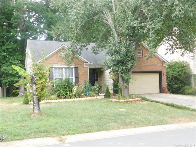 8705 Woodhill Manor Court, Charlotte, NC 28215 (#3409998) :: Rinehart Realty