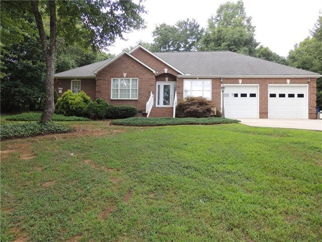 112 Spindle Drive, Maiden, NC 28650 (#3410335) :: Team Southline
