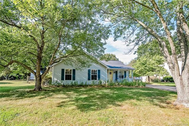 16531 Glenfurness Drive, Huntersville, NC 28078 (#3410549) :: Cloninger Properties