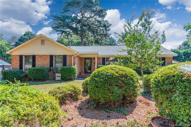 13523 Four Oaks Lane, Matthews, NC 28105 (#3410596) :: Stephen Cooley Real Estate Group