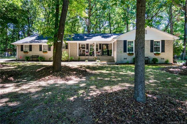 3002 Oakdale Drive, Monroe, NC 28110 (#3410667) :: Rinehart Realty