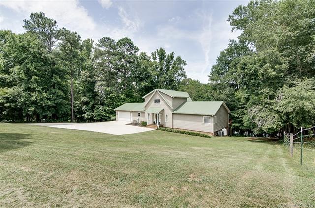 7025 Locke Drive, Sherrills Ford, NC 28673 (#3410743) :: Cloninger Properties