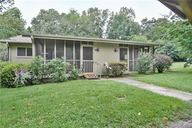 131 Freedom Road, Hendersonville, NC 28792 (#3411262) :: High Performance Real Estate Advisors
