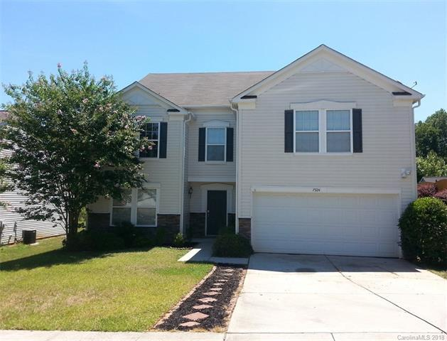 7924 Ponderosa Pine Lane, Charlotte, NC 28215 (#3411270) :: Miller Realty Group