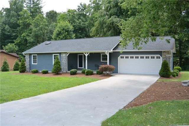 209 Stonebrook Drive #53, Hendersonville, NC 28791 (#3411407) :: Johnson Property Group - Keller Williams